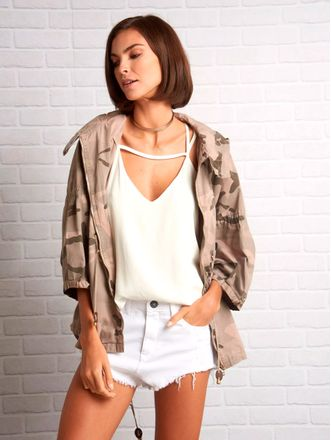 Shorts-Nina-Hilton