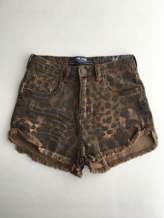 Shorts-Alto-Nevada