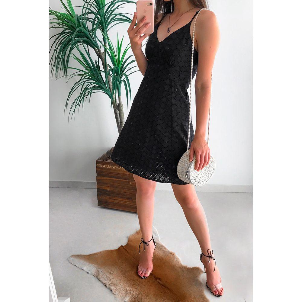 Vestido-de-Laise-Poliana-Preto