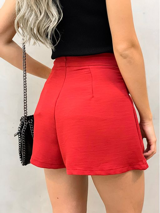 shorts-vermelho-botoes-