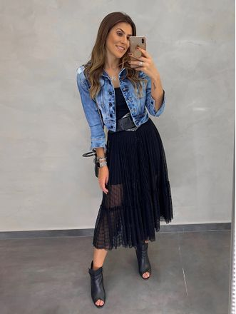 Jaqueta-Ombro-Deslocado-New-Jeans