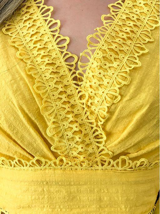 Blusa-Cropped-Guipure-Amarela