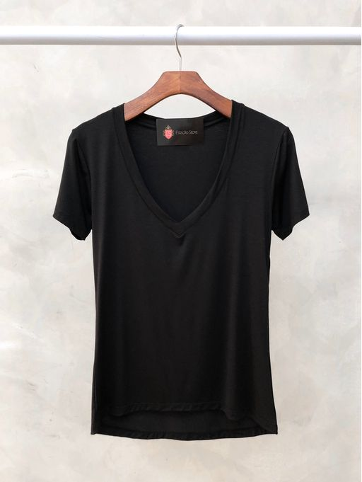 T-shirt-Basic-Leila-Preto