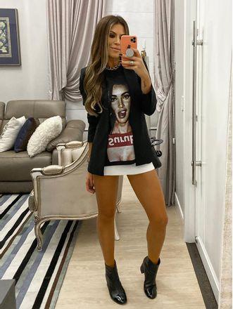 Camiseta-Tamires-Preto