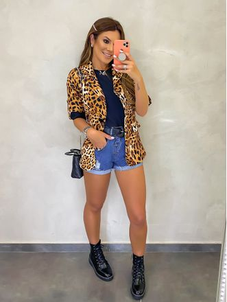 Camiseta-Adriana-Preto