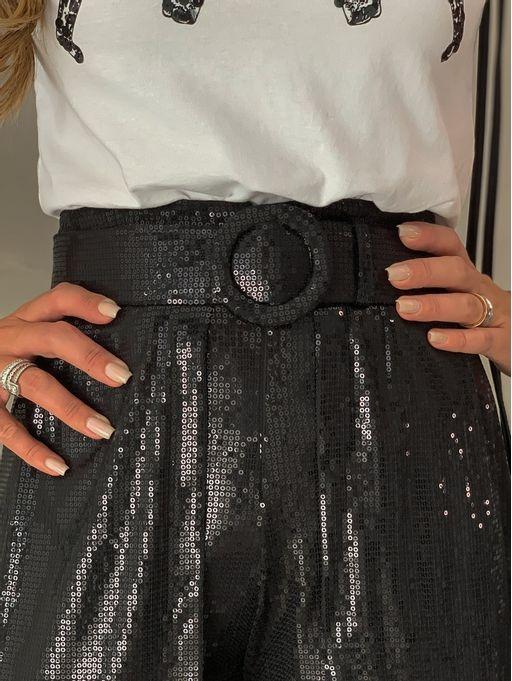 Shorts-Saia-Claudia-Black