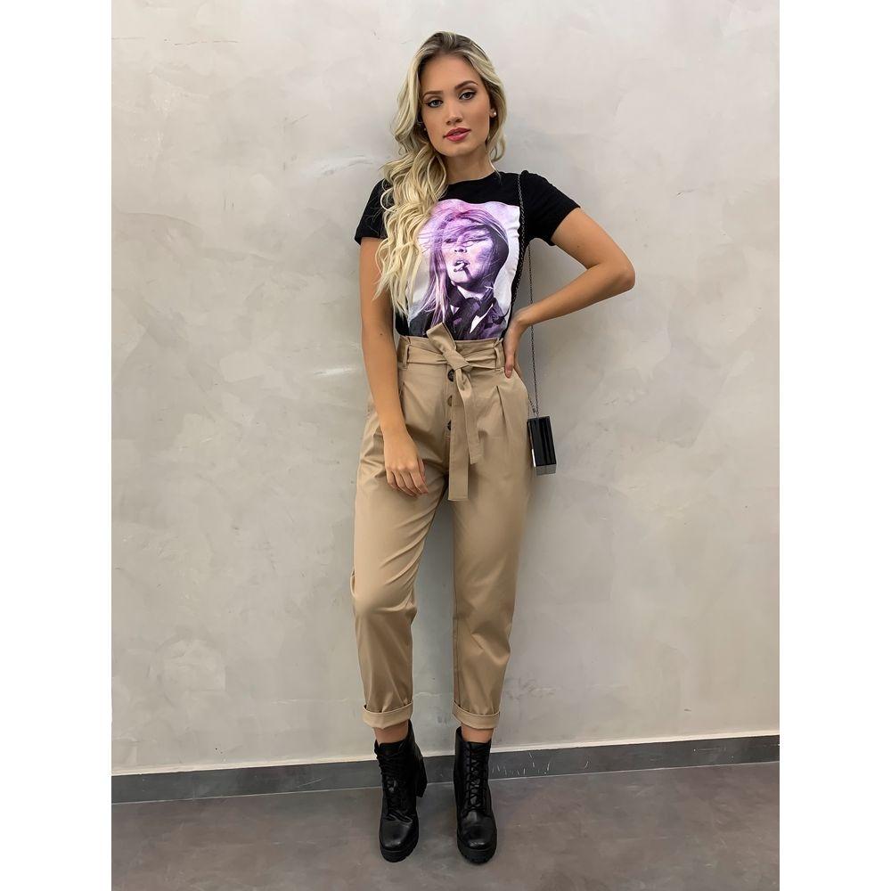 T-shirt-Mulher-Preta