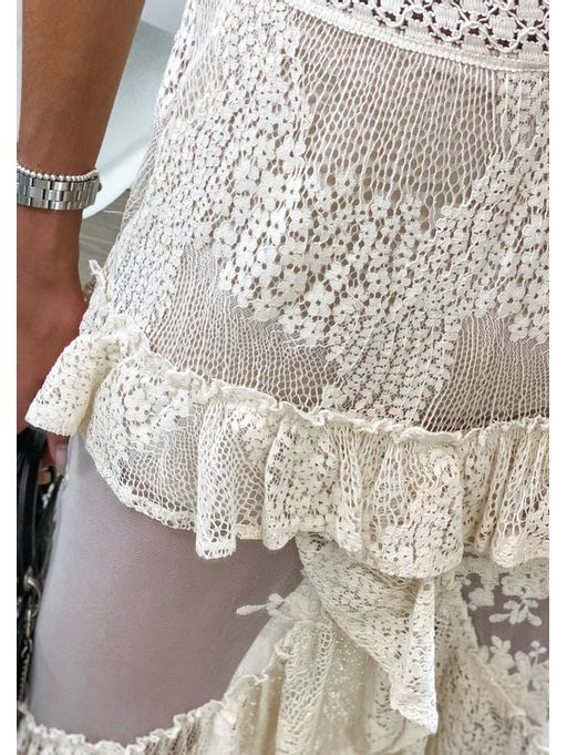 Vestido-Renda-Tule-Abertura-Frontal