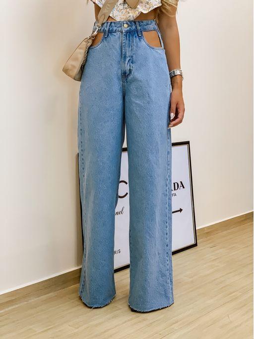 Calca-Pantalona-Detalhe-Vista-Vazada-Jeans-Claro