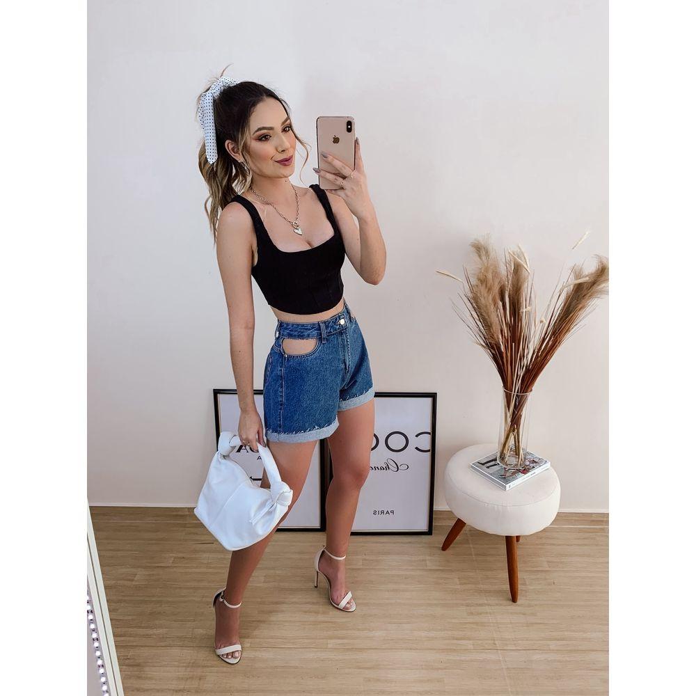 Shorts-Mom-Detalhe-Vista-Vazada-Jeans-Claro