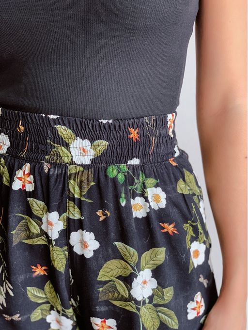 Calca-Virna-Preto-Estampa-Floral