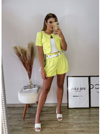 Conjunto-Top-E-Shorts-Botoes-Neon