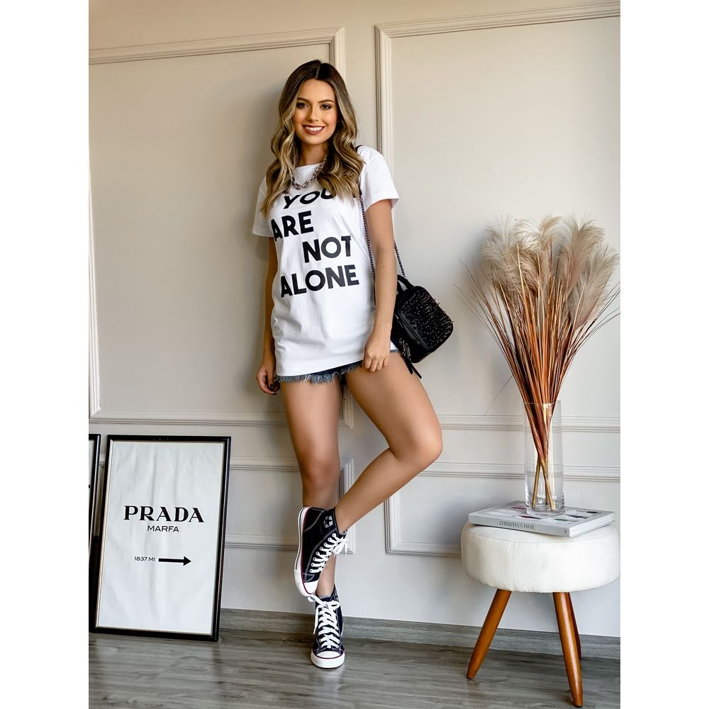 MAXI-T-SHIRT-BRANCA-YOU-ARE-NOT-ALONE
