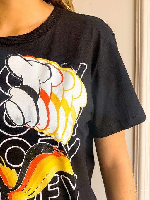 Camiseta-Estampada-Tasya-Preto-Colcci