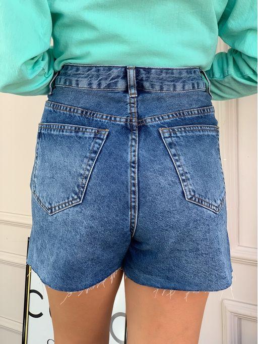 Shorts-Jeans-Com-Abertura-Lateral-Jensen