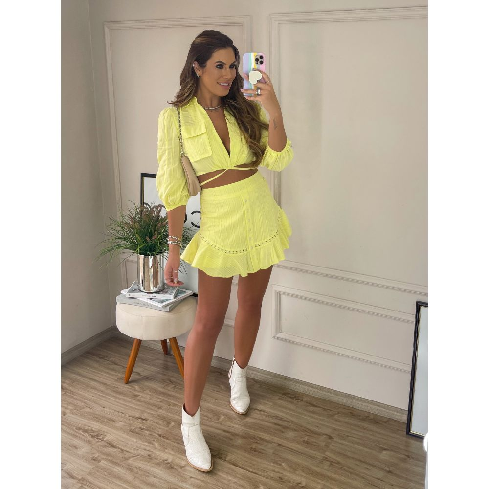 Shorts-Saia-Algodao-Bordado-Gabriella-Amarelo